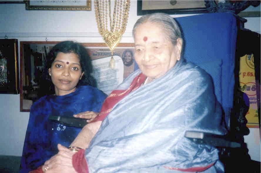 K.S. Resmi with Sangeeta Kalanidhi D.K. Pattammal, 2002